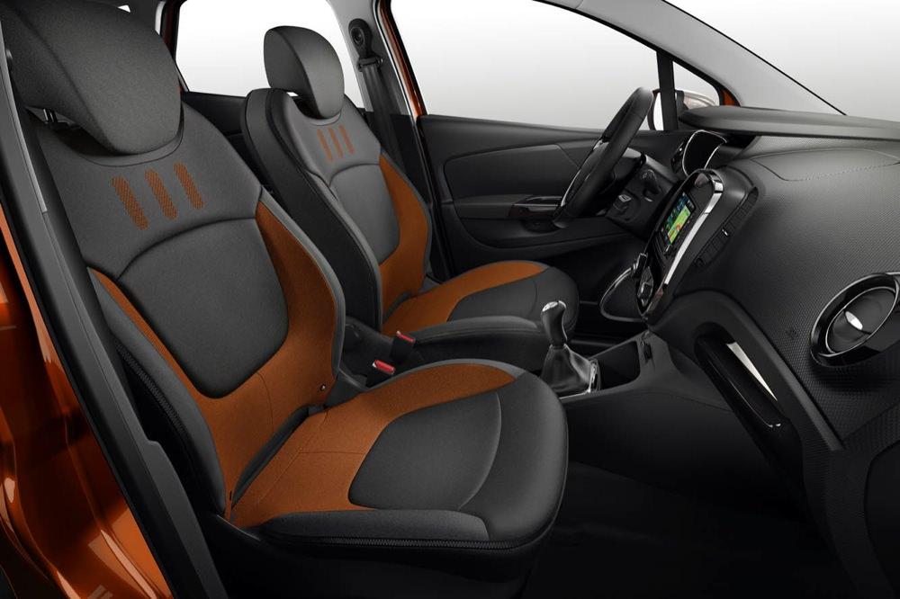 Renault Captur interior - 50 to 70