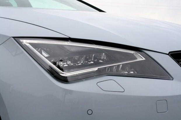 SEAT Leon Cupra light