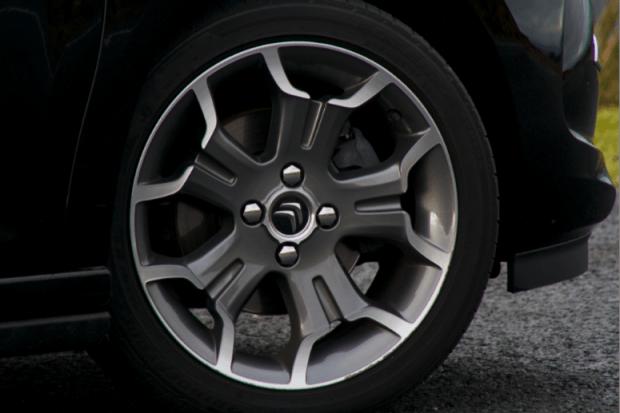 Citroen DS3 Cabrio wheel