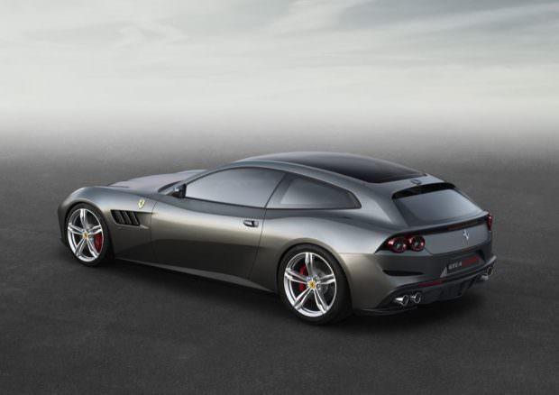 Ferrari_GTC4Lusso_side_r_high_LR50-to-70