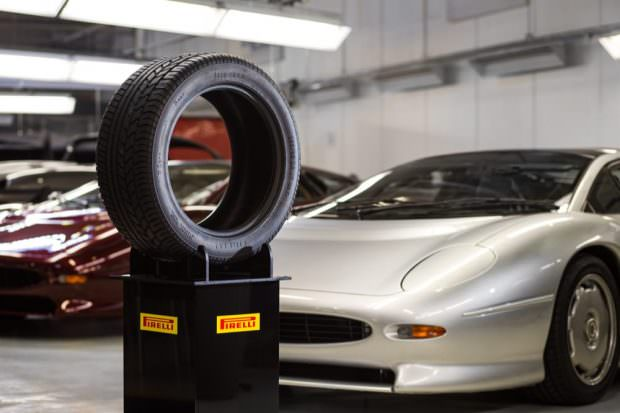 xj220_pirelli_tyre-copy50-to-70