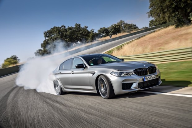 BMW M5 Competition drifting