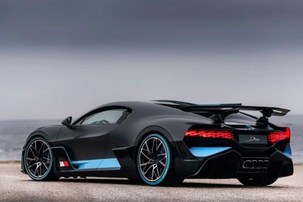 Bugatti Divo rear side view