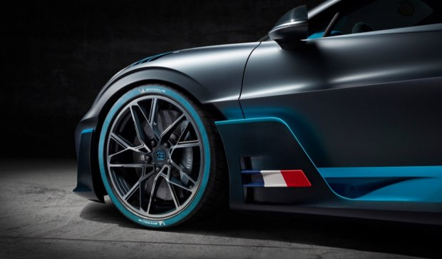 Bugatti Divo wheel