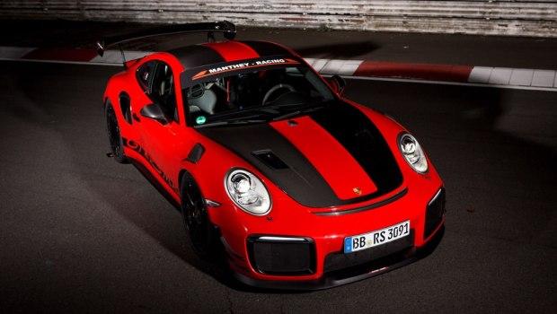 Porsche 911 GT2 RS MR car