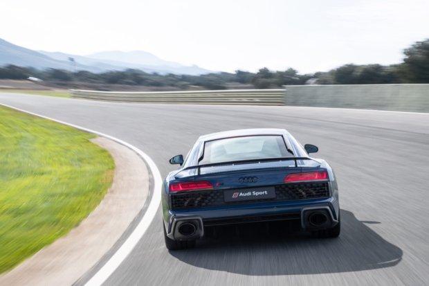 Audi R8 V10 performance rear
