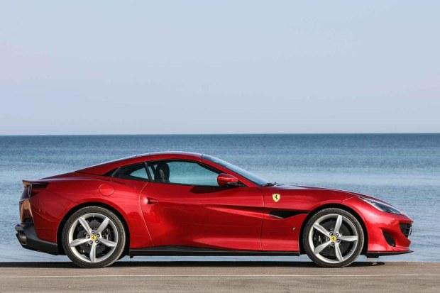 Ferrari Portofino side