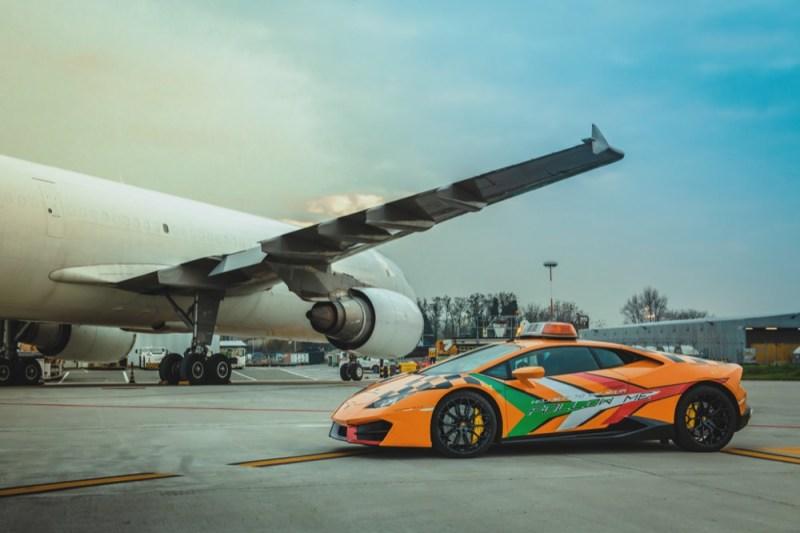 Lamborghini Huracan RWD side