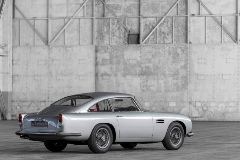 Aston Martin DB4 Vantage rear