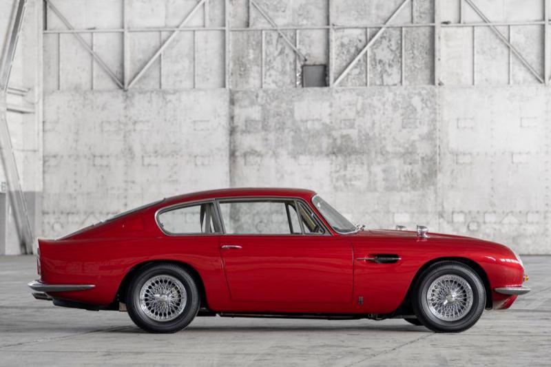 Aston Martin DB6 Vantage side
