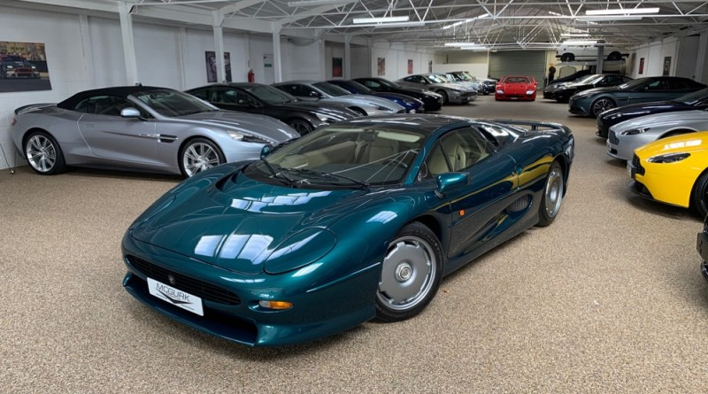 Green Jaguar XJ220