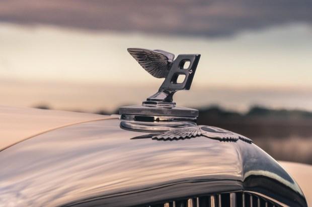 1952 Bentley R-Type Continental badge