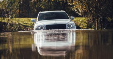 Water Performance – we go swimming with a Bentley Bentayga V8
