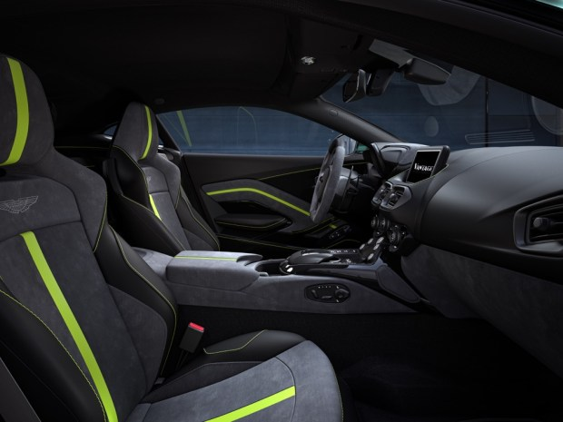 Aston Martin Vantage F1 Edition interior