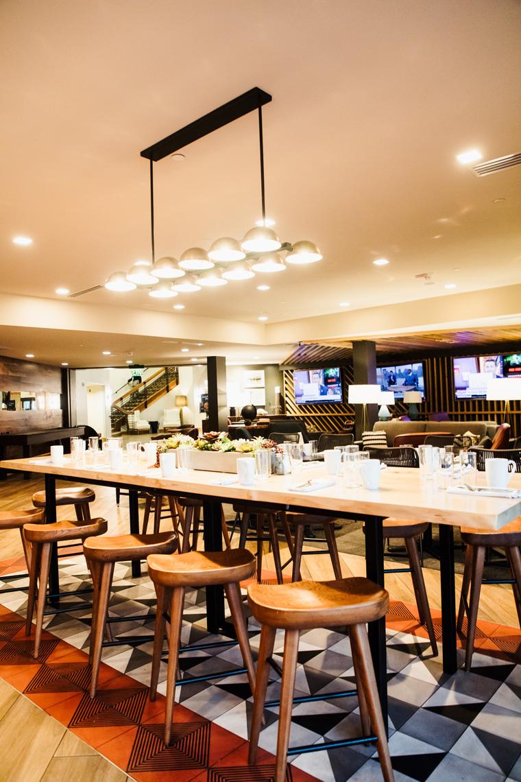 Hilton Sedona Resort at Bell Rock restaurant table