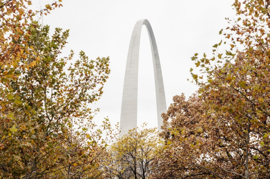 St. Louis Arch and fall foliage