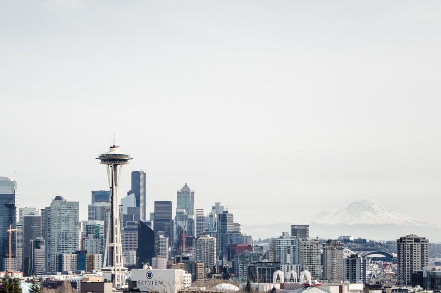 Seattle skyline with Mt. Rainier