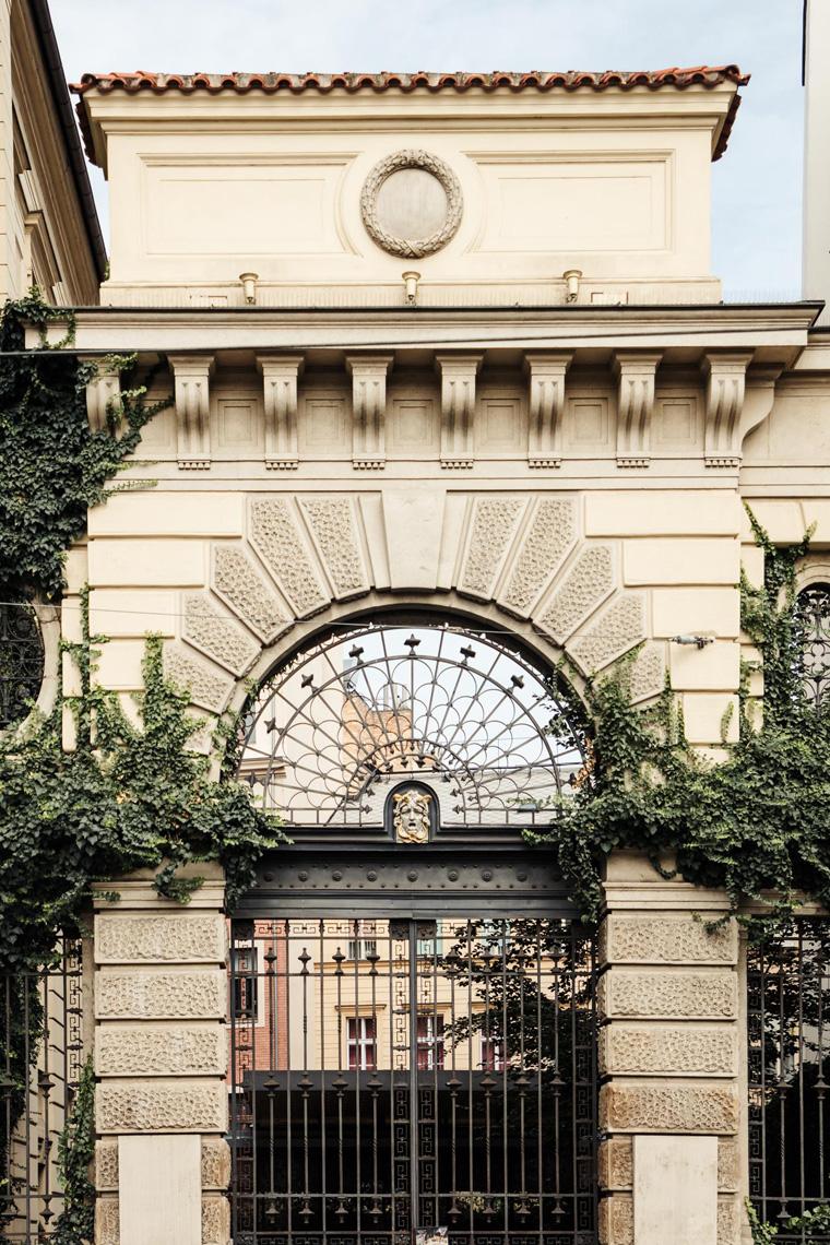 Carlo IV exterior