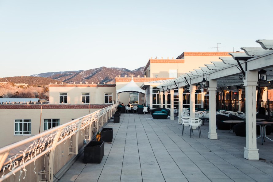 Bar Alto roof
