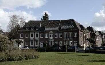 Hammerschmidtplatz II