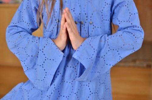 Une robe zen pour méditer couleur lavande