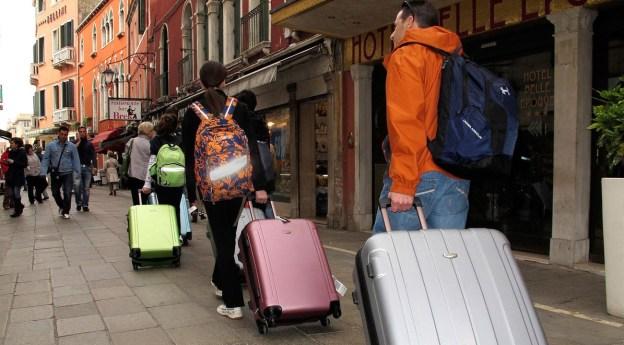 Yorkville Luggage Storage Guide