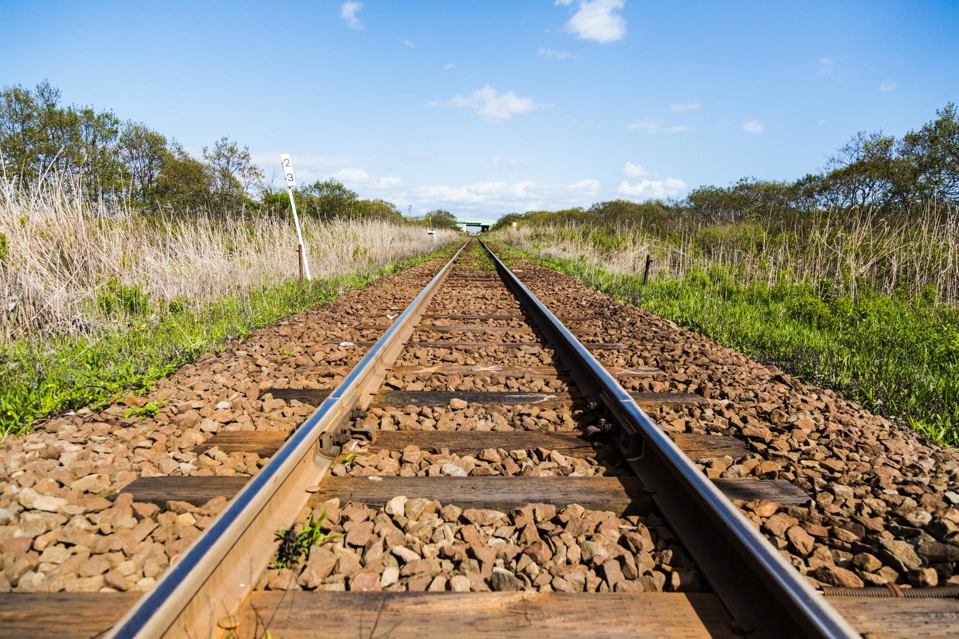 180両編成の貨物列車が脱線。炎上。これは列車なんかじゃない…