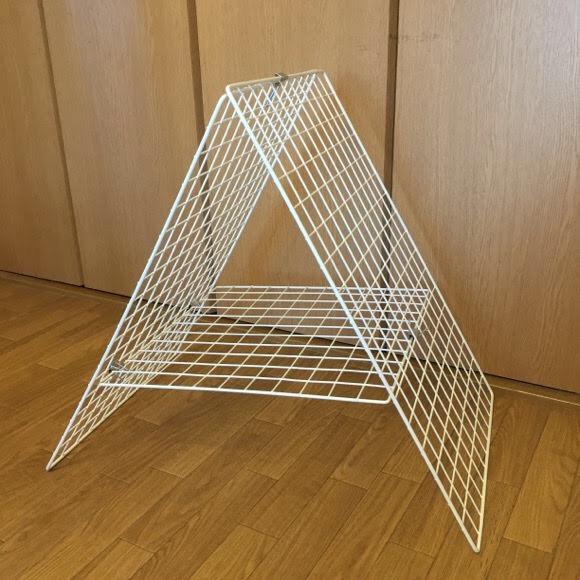 ワイヤーネット3枚をA型に組んで部屋干し台を作った