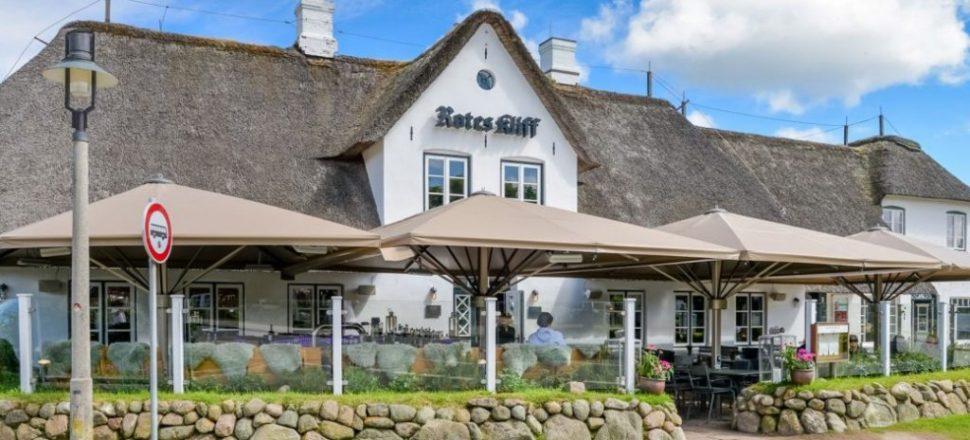 Meissl Schirme Dorfkrug Kampen Bar & Grill Sylt Terasse
