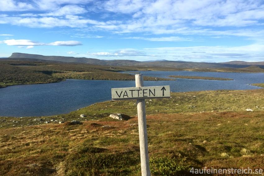 Wasser muss aus einem nahegelegenen See geholt werden...