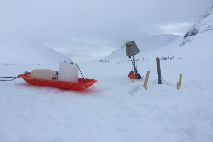58 Grad Nord - Kungsleden im Winter - Wasser holen bei Minusgraden