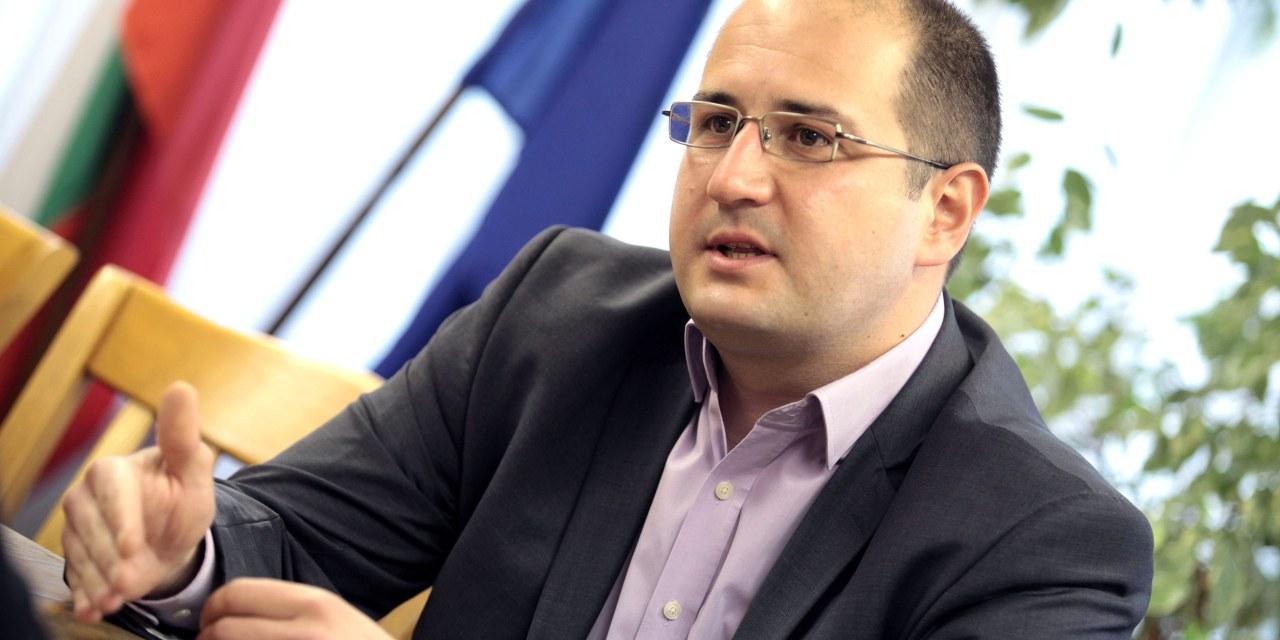 Прошко Прошков: Вдясно повтаряме едни и същи грешки