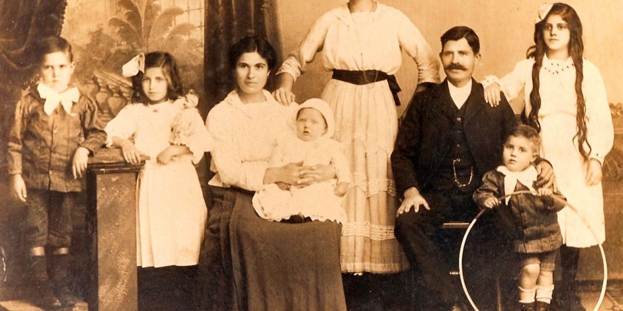 Реквием за патриархалното българско семейство