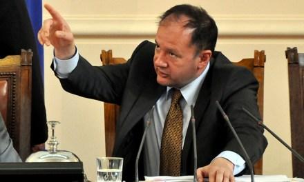 Михаил Миков не даде време за поправка на подписката за референдум