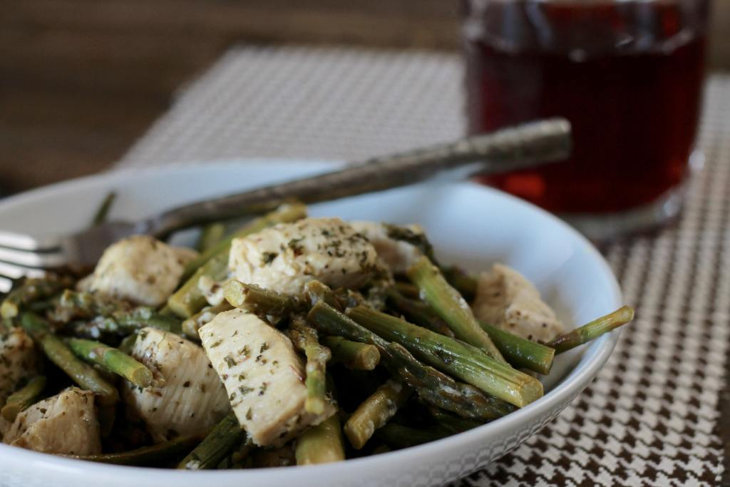 Roasted Chicken Asparagus Bites tastes great | 5dinners1hour.com