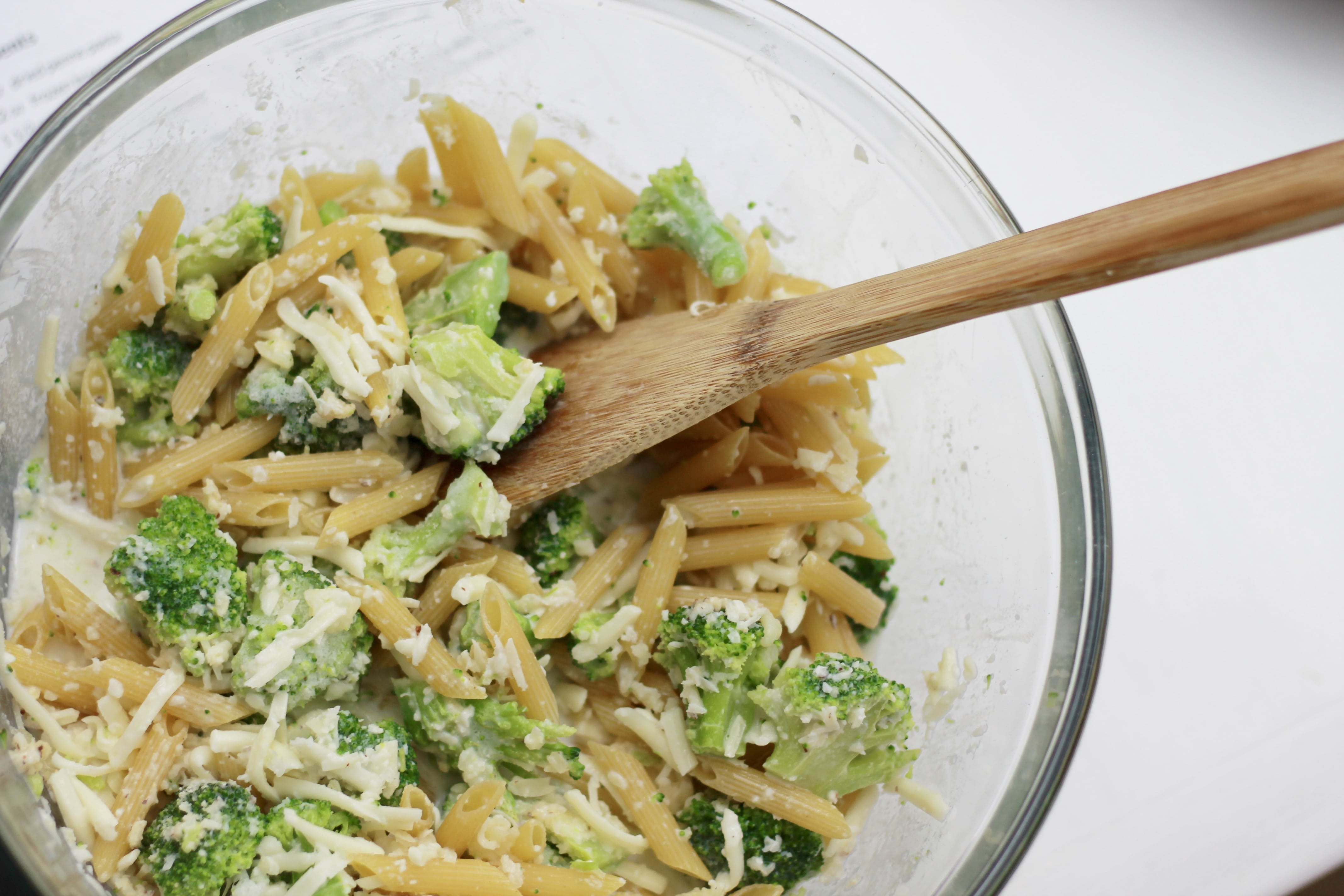 Check out this NO BOIL, Baked Broccoli Penne!!! | 5dinners1hour.com