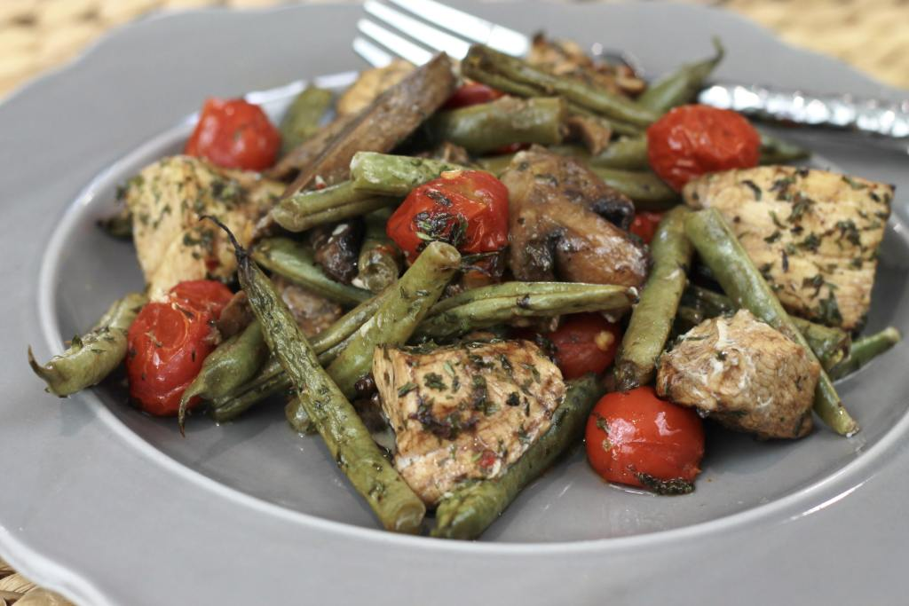 Super easy ONE PAN Honey Balsamic Chicken (and vegetables). I love a good one pan dinner. Easy clean up! | 5dinners1hour.com