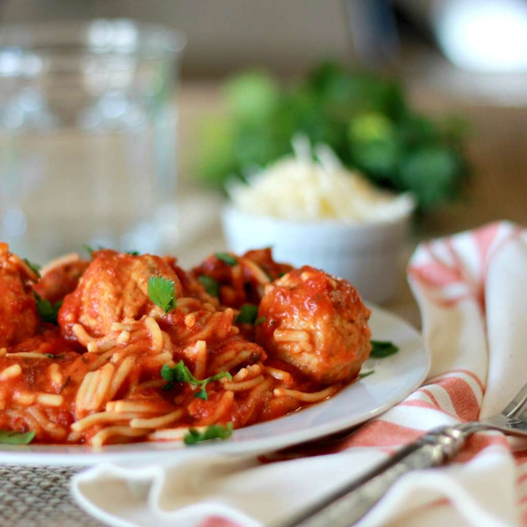 Slow Cooked Spaghetti and Meatballs!!! What the whaaaat??   5dinners1hour.com