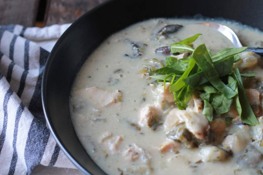 Slow Cooker Creamy Chicken Gnocchi Soup. I love how easy this was to make. Everyone LOVED it. Super rich and creamy. | 5dinners1hour.com