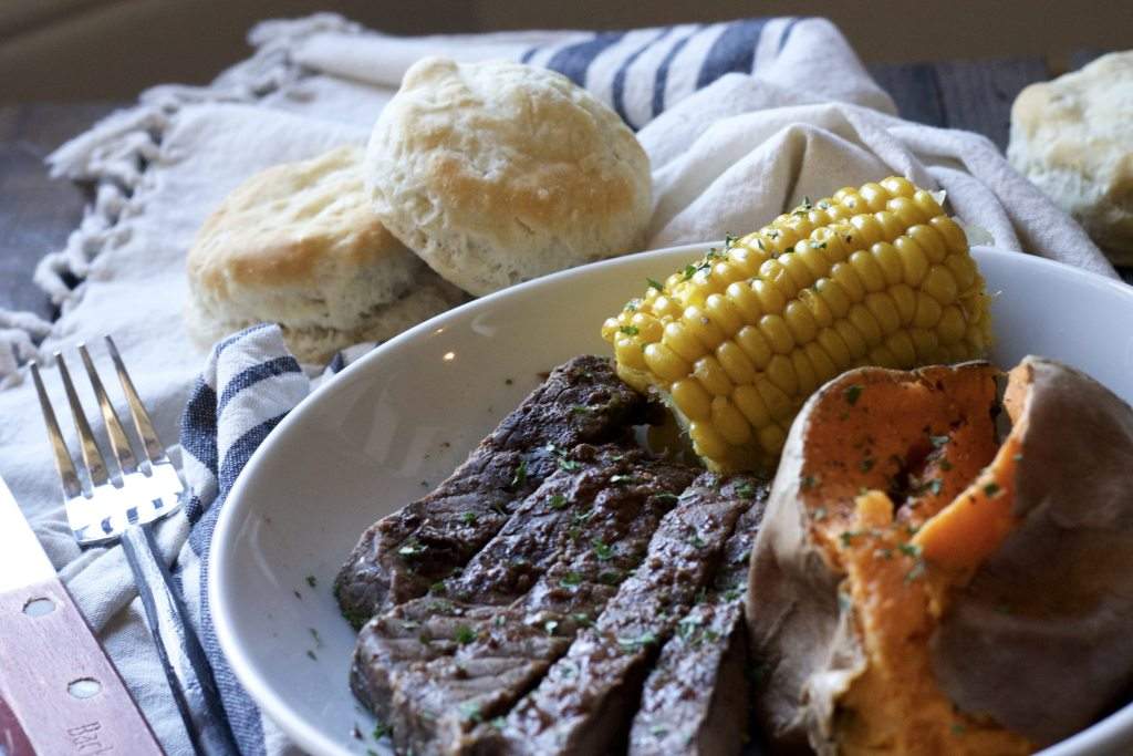 Easy Weeknight Steak Dinner!! Cooked dinner in the slow cooker! WOW! This is a great idea. | 5dinners1hour.com