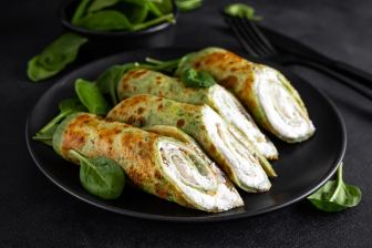 savory-crepes-with spinach-and-cheese, pancakes, blinis, Restraurant 5Elements, Rijnsaterwoude, blini club