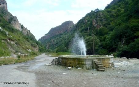 Piąty Kierunek - Gorące źródła w Górskim Karabachu01
