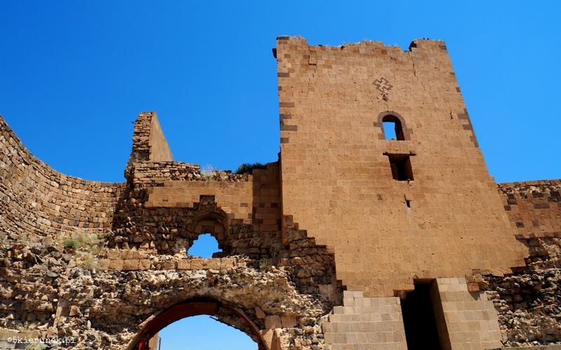 Zwiedzanie ruin miasta Ani - mury obronne - Piąty Kierunek01