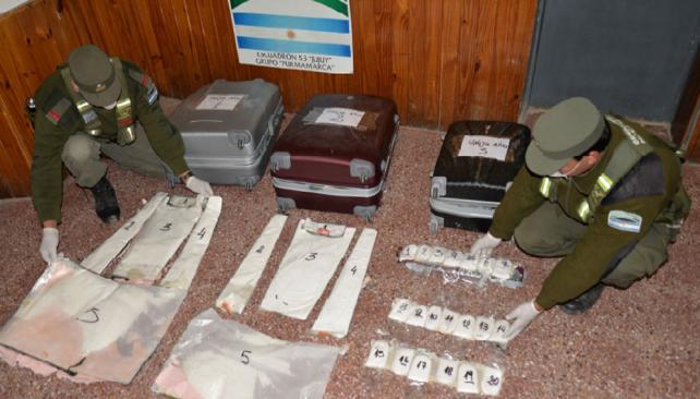 En Jujuy hallaron más de 30 kilos de cocaína en tránsito