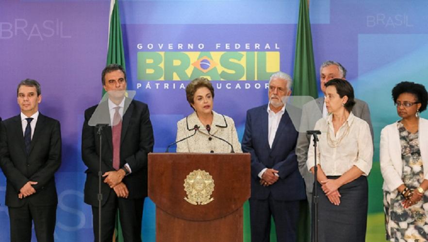"""Rousseff calificó de """"innecesaria"""" la operación policial a Lula y exigió respeto a sus derechos"""