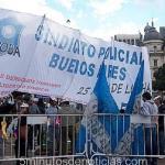 Policías bonaerenses marcharon por mejoras salariales
