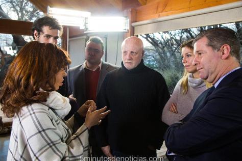 La ex Presidente de la Nación Cristina Fernández de Kirchner, con las agencia de noticias Reuters, Sputnik y Nodal, las cadenas de televisión Telesur y Al Jazzera, y el Diario Jornada de México.