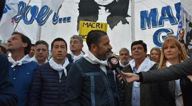 GUSTAVO MENÉNDEZ PARTICIPÓ DE LA MARCHA CONTRA LA LEY DEL 2×1