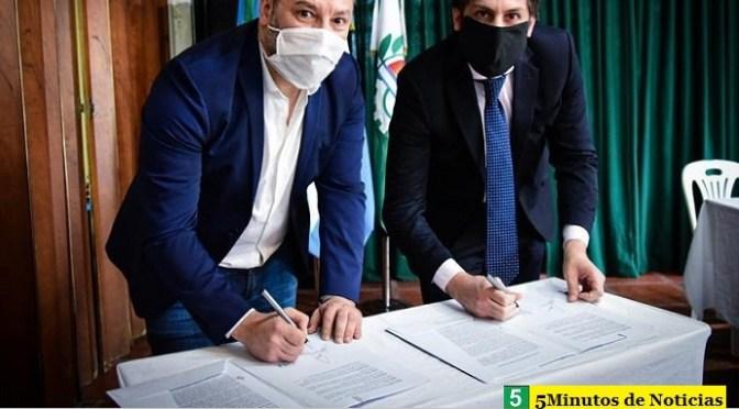 Con Menéndez de anfitrión el ministro Trotta firmó en Merlo convenio con intendentes bonaerenses para que los estudiantes tengan su netbook