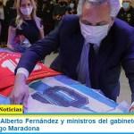 El Presidente Alberto Fernández y ministros del gabinete asistieron al velorio de Diego Maradona